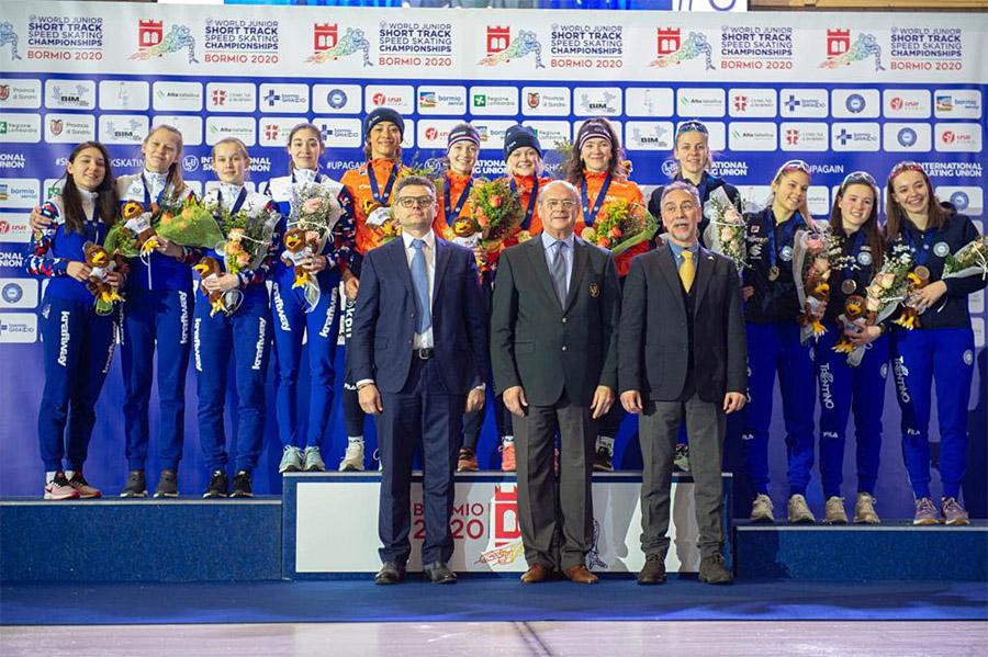 Azzurre sul podio di Bormio con la medaglia di bronzo
